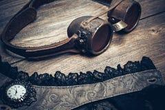 Una aún-vida hermosa en el estilo del steampunk con protector va Imagenes de archivo