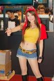 Una actitud cosplay del animado japonés no identificado en el festival GRANDE 2013 de la demostración de juego de Tailandia imagen de archivo libre de regalías