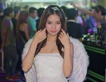 Una actitud no identificada del presentador en el festival GRANDE 2013 de la demostración de juego de Tailandia imagen de archivo