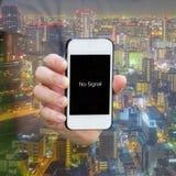 Una advertencia de la demostración 'ninguna señal' en smartphone Fotos de archivo