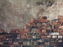 Una albañilería vieja roja del ladrillo Imagen de archivo libre de regalías