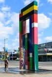 Una alta escultura única y fuente de tres pisos Hamilton, Nueva Zelanda imágenes de archivo libres de regalías