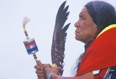 Una anciano cherokee del nativo americano en un Powwow entre tribus, Ojai, CA foto de archivo