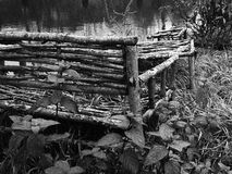 Una banca nel lago Fotografie Stock Libere da Diritti