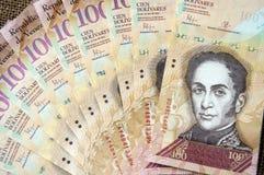 Una banconota venezuelana di 100 bolivares Immagini Stock Libere da Diritti