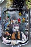 Una bandeja con los imanes Foto de archivo