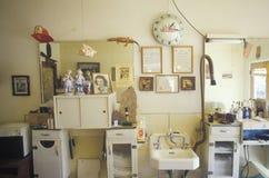 Una barbería pueblerina, Lyon, CO Imágenes de archivo libres de regalías