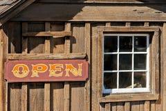Una barra vieja del vaquero está en California Fotos de archivo