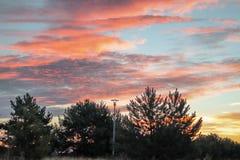 Una bella alba su un primo mattino fotografia stock