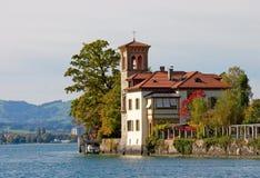 Una bella casa nello stile italiano Fotografia Stock Libera da Diritti