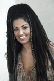 Donna sorridente di Rasta fotografia stock