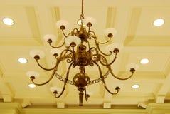 Una bella lampada nella libreria di università Fotografie Stock Libere da Diritti