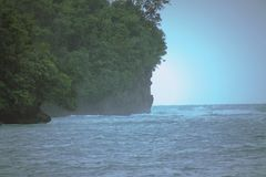 Una bella luce nell'oceano fotografie stock