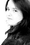 Una bella ragazza di 13 anni in in bianco e nero Fotografia Stock Libera da Diritti