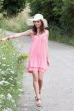 Una bella ragazza nel paese Fotografia Stock Libera da Diritti