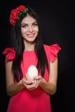 Una bella ragazza in un vestito rosa Fotografia Stock Libera da Diritti