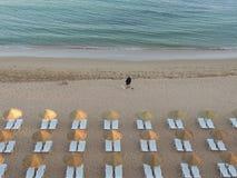 Una bella spiaggia in Albufeira - Algarve fotografia stock libera da diritti
