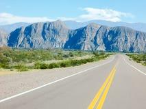 Una bella valle delle montagne dal Mendoza Argentina della ruta 40 Immagini Stock Libere da Diritti