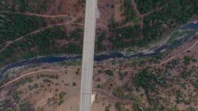 Una bella vista arial di un ponte stock footage
