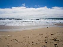 Una bella vista della linea costiera di California lungo la strada principale 1, Big Sur Immagine Stock Libera da Diritti