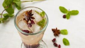 Una bevanda di rinfresco di freddo con ghiaccio Immagine Stock Libera da Diritti