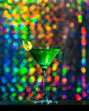 Una bevanda verde un vetro fotografie stock