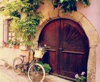 Una bicicleta en mi puerta Fotografía de archivo