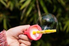 Una burbuja de jabón agradable Foto de archivo libre de regalías