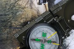 Una bussola con l'immagine di corsa e del telemetro Fotografia Stock