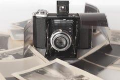 Una cámara de plegamiento de la vendimia Imagen de archivo libre de regalías