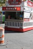 Una cabina del helado en un festival fotografía de archivo libre de regalías
