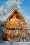 Una cabina di libro macchina di inverno Immagini Stock