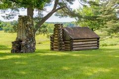 Una cabina revolucionaria sienta el beneith un árbol en la fragua del valle imágenes de archivo libres de regalías