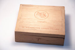 Una caja de cigarros vieja Imagen de archivo