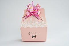 Una caja de regalo Imagen de archivo