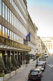 Una calle cerca del cuadrado trafalgar Londres foto de archivo libre de regalías