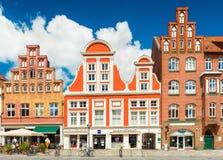 Una calle con las casas en el estilo arquitectónico alemán tradicional fotografía de archivo libre de regalías