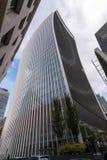 Una calle de Fenchurch, un skyscrpaper moderno en Londres Imágenes de archivo libres de regalías