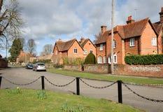 Una calle de la aldea en Inglaterra rural foto de archivo libre de regalías