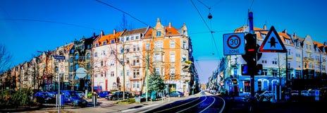 Una calle típica en el área central de Karlsruhe en Alemania fotografía de archivo libre de regalías