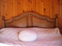 Una camera da letto piacevole Immagine Stock Libera da Diritti