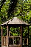 Una capanna nel parco immagini stock libere da diritti