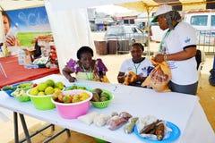 Una caravana para aumentar la conciencia de buenas prácticas alimenticias Foto de archivo libre de regalías