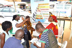 Una caravana para aumentar la conciencia de buenas prácticas alimenticias Imagen de archivo