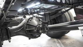 Una carcassa in tandem del asse posteriore di un camion a uso medio di 6 ruote Immagini Stock