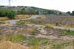 Una carretera con curvas en las colinas imágenes de archivo libres de regalías