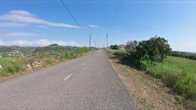 Una carretera nacional al lado del pueblo de Lexim