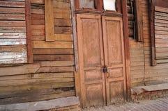 Una casa abandonada fotografía de archivo