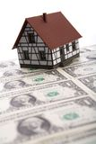 Una casa da vendere. fotografie stock libere da diritti