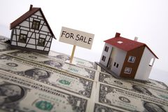 Una casa da vendere. immagini stock libere da diritti